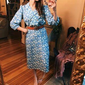 Dresses & Skirts - Vntg 50s beautiful blue floral pleated midi dress